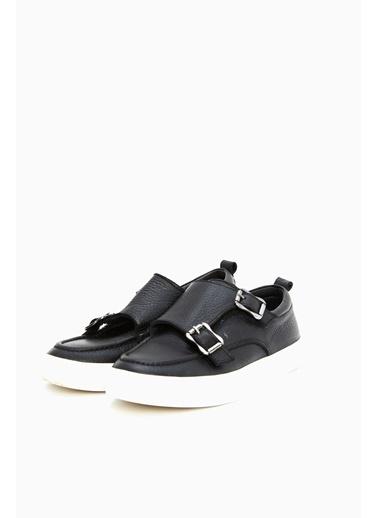 Ayakkabı-Nebbati